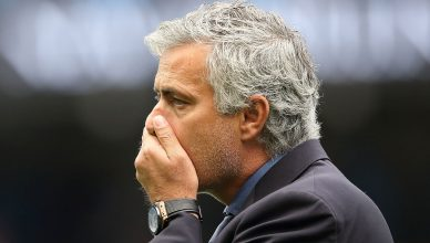 jose-mourinho-hand-mouth